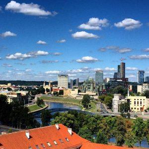 Литва планирует увеличить минимальный налоговый порог